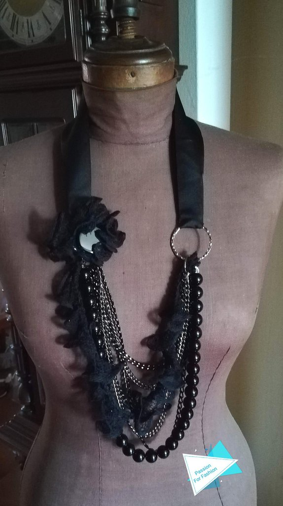 Collana lunga nera con gros grain di raso