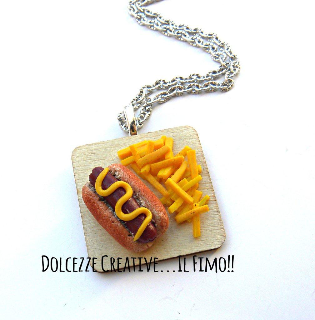 Collana Vassoio con patatine fritte ed hot dog - wurstel - miniature - idea regalo kawaii