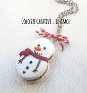 Natale in Dolcezze - Macaron pupazzo di neve - con ripieno al cioccolato - miniature - kawaii idea regalo