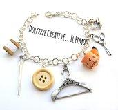 Bracciale Sarta - Stampella, metro, bottoni, forbici, ago, macchina per cucire e rocchetto di cotone - handmade