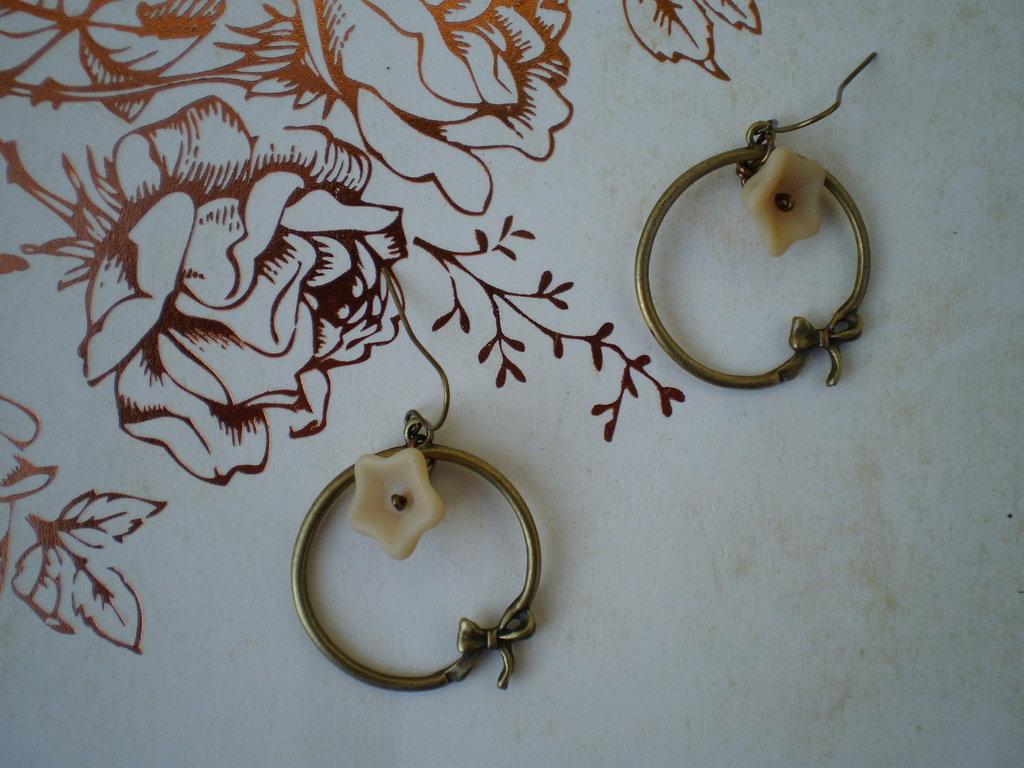 Orecchini Cream Bowknot - Bronze Collection