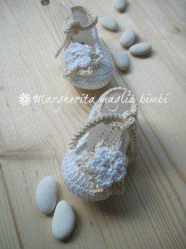 Scarpine Battesimo bambina - fatte a mano - uncinetto - puro cotone bianco e panna