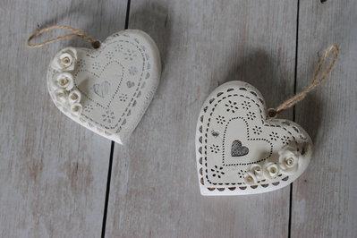 cuore pirografato bianco
