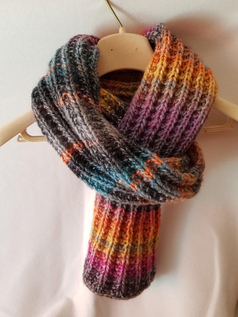 vasta selezione di 08406 2c0cf Sciarpa da uomo in lana lavorata ai ferri