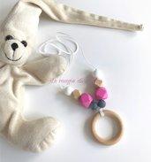 Collana allattamento con anello in legno e perle esagonali in silicone fucsia/grigio