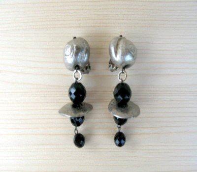 Orecchini in peltro anni 80 - orecchini vintage - orecchini lunghi - orecchini cristallo nero - boho - chandelier
