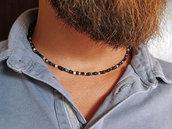Collana girocollo Toho multicolor per Uomo con chiusura e finiture in argento 925. Unisex. Pietre irregolari. Nera con sfumature
