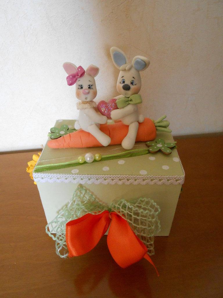 cofanetto con coniglietti