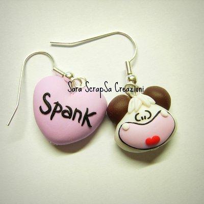 orecchini hello spank
