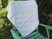copertina neonato in lana bianca