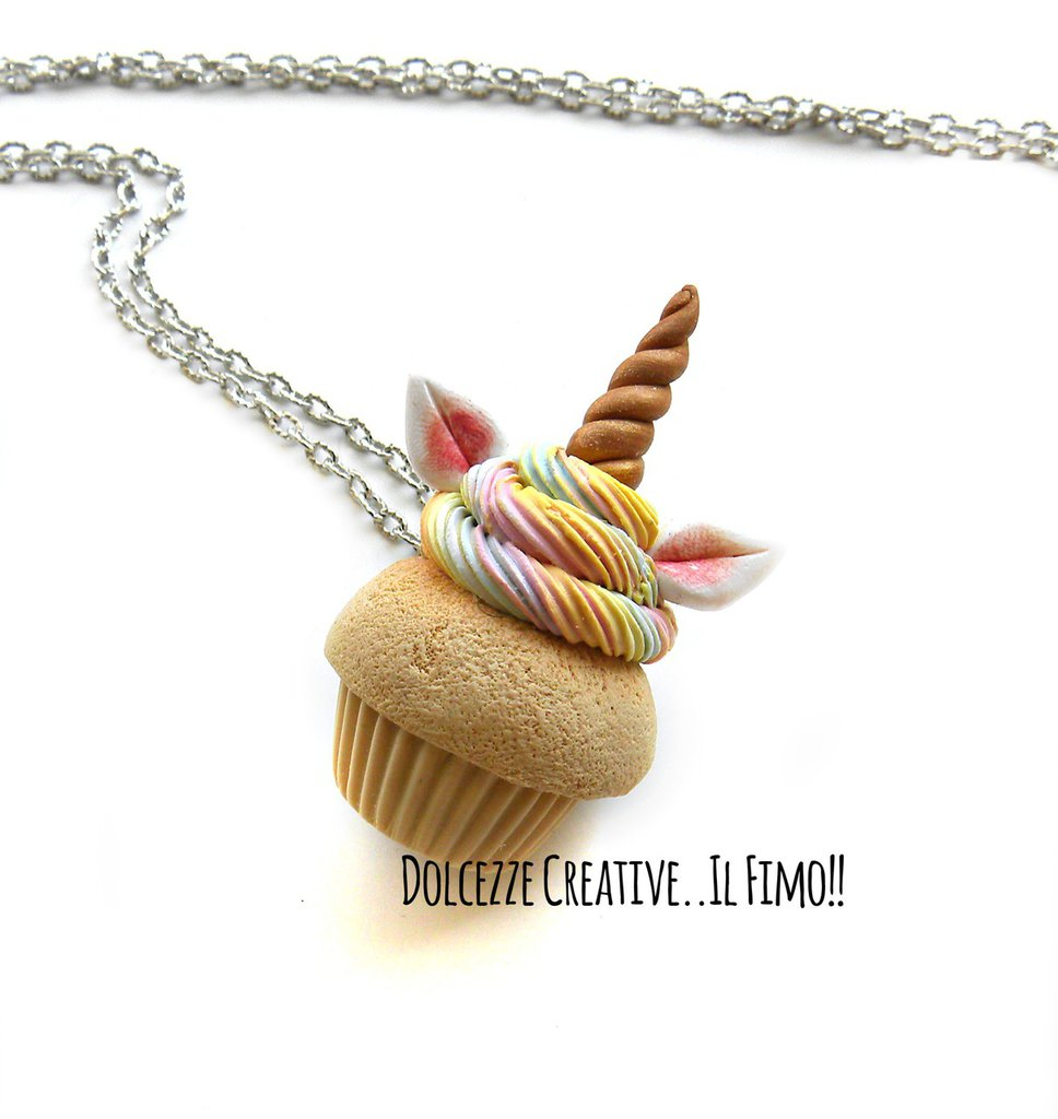 Collana cupcake - muffin unicorno - con panna arcobaleno - miniature idea regalo kawaii