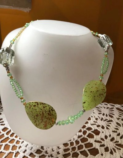 Collana foglie verde di cocco e Murina