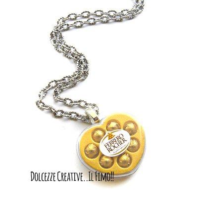 Collana Scatola di cioccolatini incartati a forma di cuore- Ferrero rochet - miniature kawaii - HANDMADE