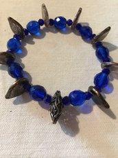 Braccialetto in swarosky blu e foglie in vetro bronzo