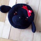 Astuccio cagnolino nero fatto a mano all'uncinetto