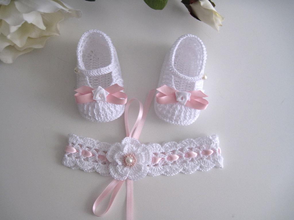 Set coordinato fascetta scarpine neonata cotone bianco raso rosa battesimo nascita cerimonia uncinetto
