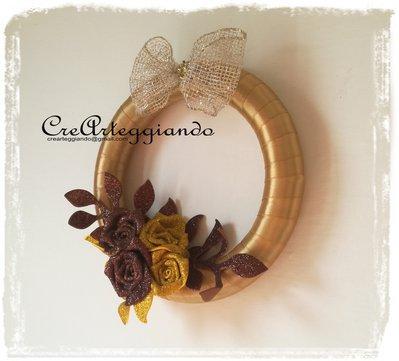 Ghirlanda decorativa dorata