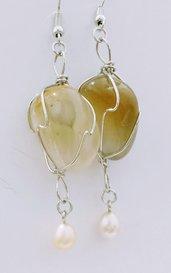 orecchini pendenti con quarzo, perle e acciaio - oresassi1