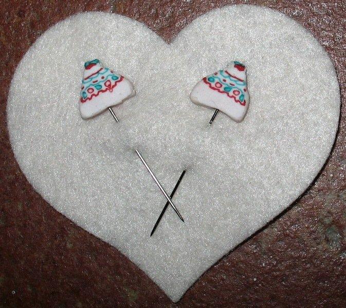 Cake pins