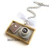 Collana vassoio - Regalo Lettrice - con libro e tazza di caffè cioccolata - miniature kawaii handmade