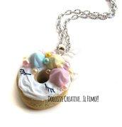 Collana Donut - Ciambella unicorno - arcobaleno con mezze perle - in fimo e cernit