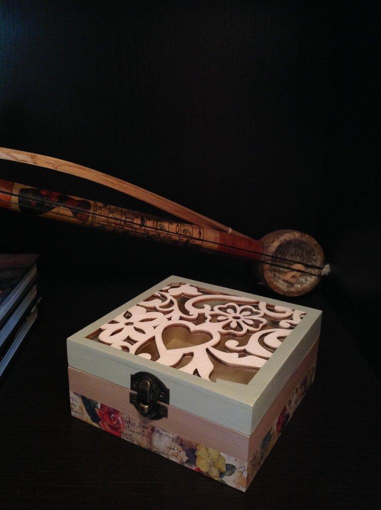 Scatola legno intarsio cuore