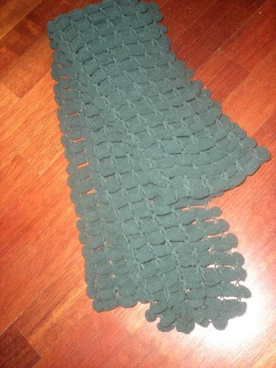 Sciarpa lana pon pon verde bosco