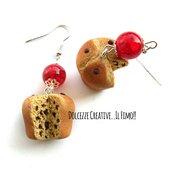 Natale in Dolcezze - Pandoro - Panettone con gocce di cioccolato e perle rosse - miniature idea regalo kawaii