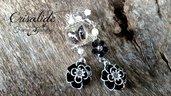 Orecchini farfalla crisalide natura nero bianco fiore anallergico idea regalo bigiotteria artigianale