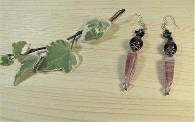 Orecchini lunghi vintage con perle in vetro