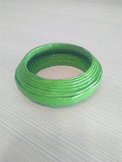 bracciale rigido di carta verde mela fatto a mano