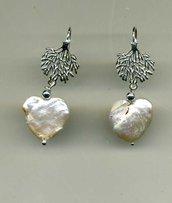 ORECCHINI pendenti in argento con perla di fiume a cuore