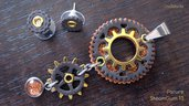 PARURE STEAMGUM 13 - ciondolo + orecchini - acciaio, oro, marrone scuro e arancio glitter