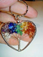 Portachiavi ciondolo cuore albero della vita con vere pietre dure dai colori dei 7 chakra cristalloterapia