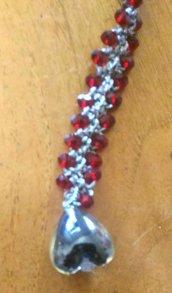Bracciale realizzato ad uncinetto con filato lame' argento e mezzi cristalli trasparenti rosso bordeaux