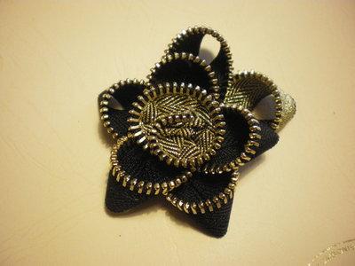 Black and Golden zipper flower brooch