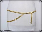 Cintura a catena oro con ciondolo cuore, si può indossare sia sui fianchi che in vita, taglia L - 95 cm.