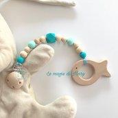 Catenella portaciuccio con perle in silicone esagonali e legno toni azzurro acqua