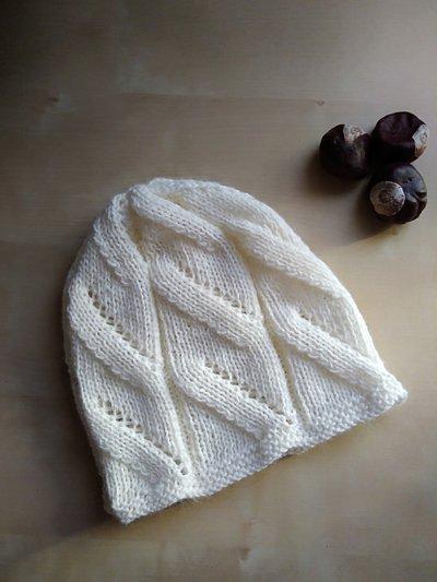 Berretto in lana donna panna ai ferri con trecce cappello inverno bianco