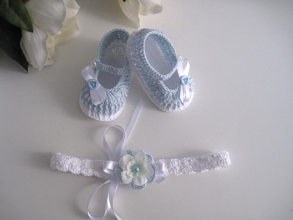 Set coordinato fascetta scarpine neonata cotone bianco / azzurro battesimo nascita cerimonia uncinetto