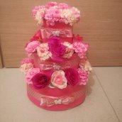 Torta di pannolini floreale