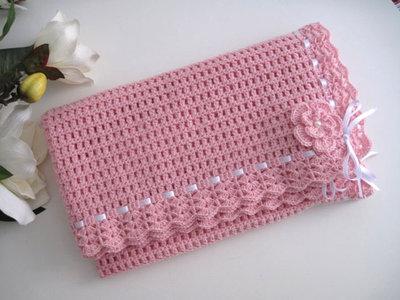 Copertina neonata uncinetto lana rosa fatta a mano idea regalo corredino nascita battesimo cerimonia