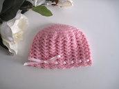 Cappellino neonata uncinetto lana merino color rosa nastro rosa fatto a mano idea regalo corredino nascita handmade crochet