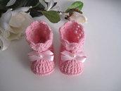 Scarpine scarpette stivaletti neonata uncinetto color rosa fiocco rosa fatte a mano lana idea regalo corredino nascita cerimonia battesimo handmade crochet