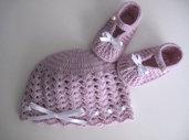 Coordinato cappellino scarpine neonata uncinetto lana merino color lilla fatto a mano idea regalo corredino nascita battesimo cerimonia handmade crochet
