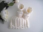 Set coordinato neonata neonato uncinetto unisex color panna cappellino scarpine fatto a mano idea regalo corredino nascita cerimonia battesimo lana handmade crochet