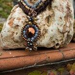 Collezione Come pietre - Collana Vittoria uncinetto e perline
