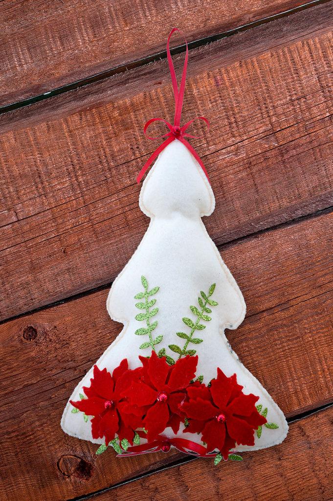 Stella Di Natale Di Pannolenci.Fuoriporta Alberello Di Natale Con Stella Di Natale In Pannolenci