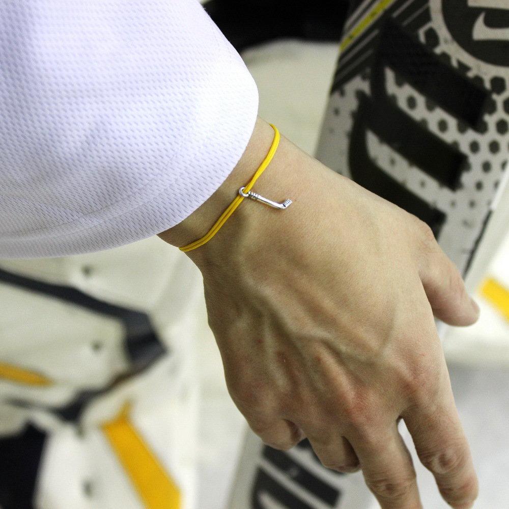Bracciale di corda con pendente charm in argento Mazza da Hockey, fatto a mano