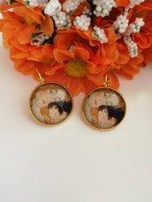 """Klimt orecchini pendenti cammeo con immagine dedicata alla """"Maternità"""" di Gustav Klimt"""